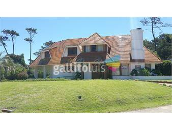 https://www.gallito.com.uy/casa-en-playa-brava-inmuebles-18297417