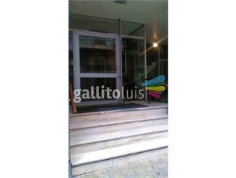 https://www.gallito.com.uy/apartamento-con-muebles-en-inmejorable-zona-del-centro-inmuebles-18735436