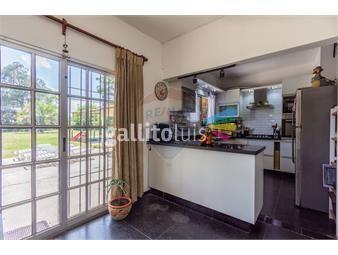 https://www.gallito.com.uy/venta-de-casa-salinas-sur-900-mts-terreno-inmuebles-19552019