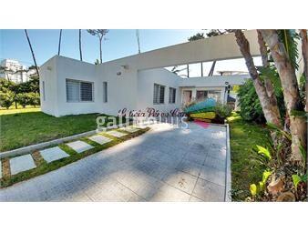 https://www.gallito.com.uy/casa-en-venta-playa-mansa-3-dormitorios-inmuebles-19560577