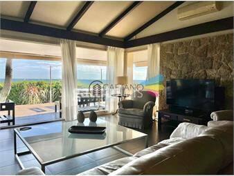 https://www.gallito.com.uy/casa-en-venta-playa-mansa-frente-al-mar-cuatro-dormitorios-inmuebles-19584188