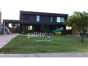 https://www.gallito.com.uy/venta-casa-san-nicolas-con-renta-3-dormitorios-servicio-inmuebles-19550069
