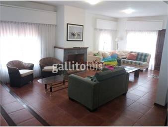 https://www.gallito.com.uy/alquiler-casa-de-4-dormitorios-a-metros-de-playa-brava-inmuebles-19635189