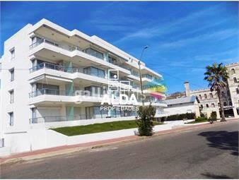 https://www.gallito.com.uy/apartamento-en-centro-apto-diano-marina-inmuebles-13973703