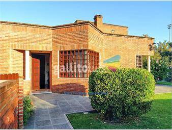 https://www.gallito.com.uy/espectacular-casa-en-carrasco-inmuebles-19505143
