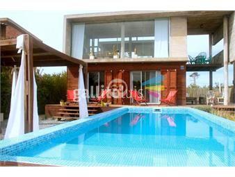 https://www.gallito.com.uy/casa-en-la-juanita-con-piscina-inmuebles-18469938