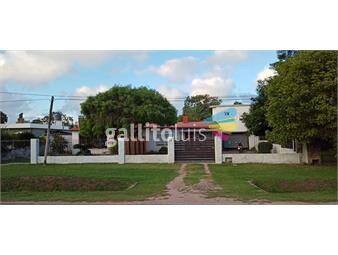 https://www.gallito.com.uy/venta-dos-casas-mas-dos-apartamentos-ideal-dos-familia-inmuebles-19109943