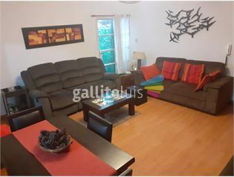 https://www.gallito.com.uy/dueño-vende-apartamento-tipo-casa-parrillero-reciclada-inmuebles-19636205