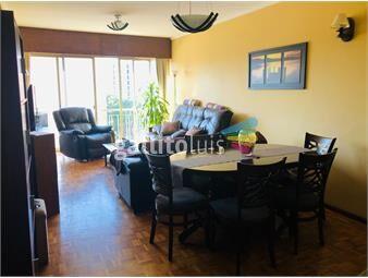 https://www.gallito.com.uy/venta-de-solido-apartamento-en-el-corazon-de-pocitos-inmuebles-19765749
