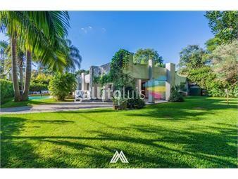 https://www.gallito.com.uy/venta-casa-carrasco-4-dorm-jardin-piscina-y-gge-inmuebles-19512366