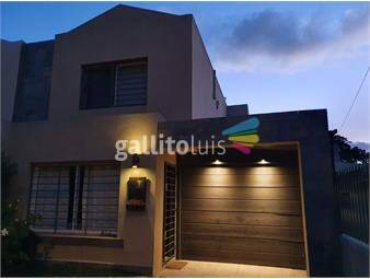 https://www.gallito.com.uy/venta-bonita-casa-en-dos-plantas-inmuebles-19842876