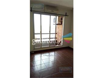https://www.gallito.com.uy/apartamento-de-3-dormitorios-en-venta-con-renta-en-centro-d-inmuebles-19965491