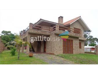 https://www.gallito.com.uy/venta-chalet-en-dos-plantas-gran-terreno-inmuebles-19512571