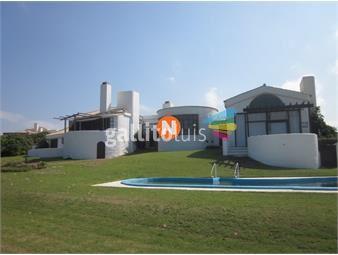 https://www.gallito.com.uy/casa-en-venta-y-alquiler-punta-piedras-manantiales-4-dor-inmuebles-20108090