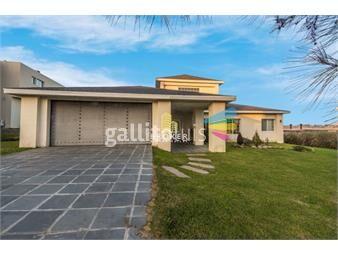 https://www.gallito.com.uy/venta-casa-altos-de-la-tahona-4-dormitorios-piscina-bro-inmuebles-18086406
