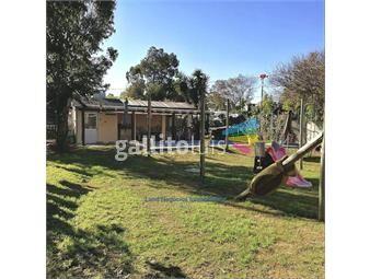 https://www.gallito.com.uy/venta-casa-3-dormitorios-3-baños-solymar-sur-con-piscina-inmuebles-19858232