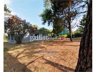 https://www.gallito.com.uy/casa-2-dormitorios-y-gran-terreno-a-10-de-la-playa-inmuebles-20296407