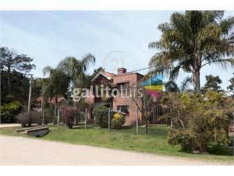 https://www.gallito.com.uy/hermosa-casa-de-3-dormitorios-en-barrio-jardin-naturale-inmuebles-20436854