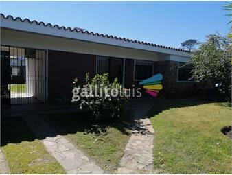 https://www.gallito.com.uy/venta-ideal-dos-familias-o-residencial-inmuebles-20467295