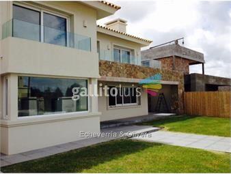 https://www.gallito.com.uy/casa-venta-barrio-parques-3-dormitorios-inmuebles-13103582