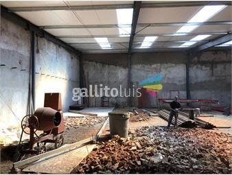 https://www.gallito.com.uy/la-paz-proximo-terminal-tres-cruces-buen-local-con-casa-inmuebles-13607342