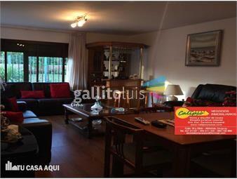 https://www.gallito.com.uy/1-cuadra-y-12-de-la-playa-3-baños-inmuebles-13815963
