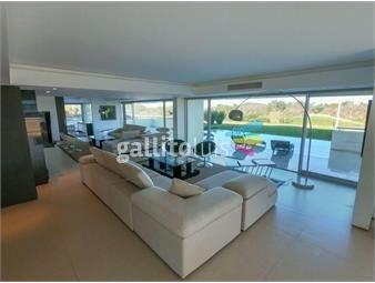 https://www.gallito.com.uy/exclusivo-apartamento-con-piscina-propia-y-piso-entero-inmuebles-17346327