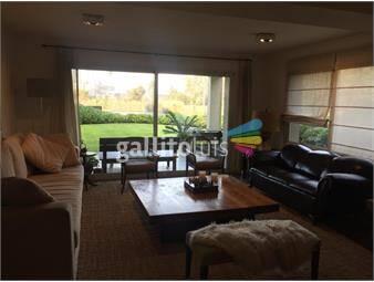 https://www.gallito.com.uy/espectacular-apartamento-con-jardin-y-vista-al-lago-inmuebles-17360598